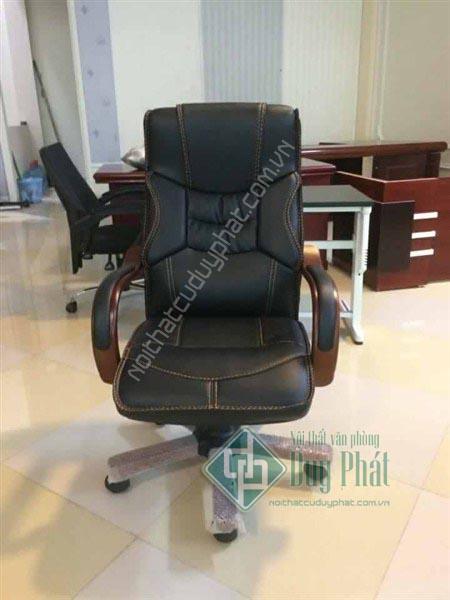 Ghế giám đốc da sang trọng - Sản phẩm nội thất văn phòng Cầu Giấy được nhiều khách hàng yêu thích