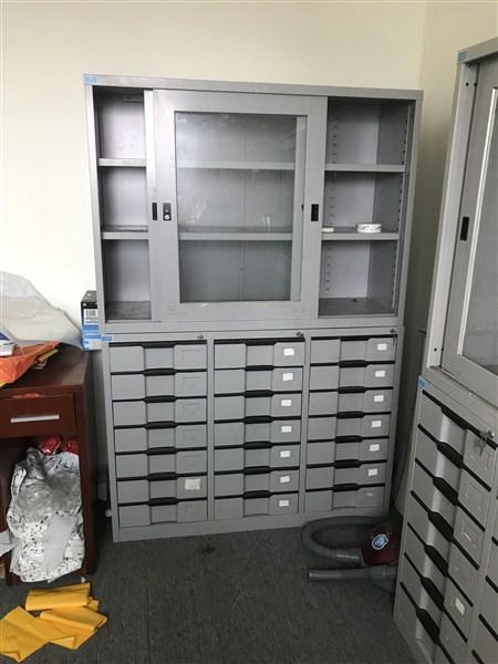 Thanh lý tủ văn phòng Mê Linh bằng thép sơn tĩnh điện
