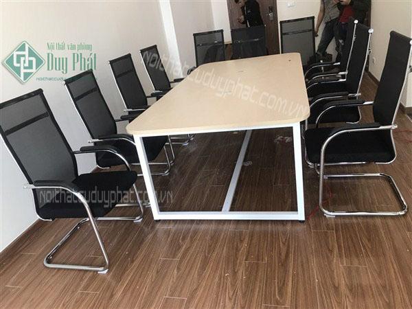 Mẫu sản phẩm bàn ghế văn phòng thanh lý bán chạy tại Duy Phát