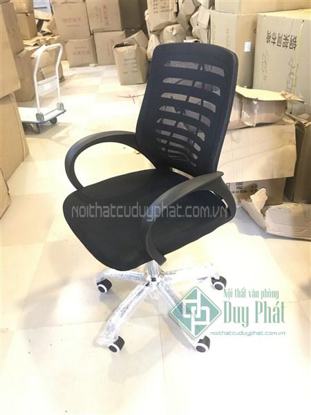 Ghế xoay làm việc lưng lưới - Sản phẩm nổi bật trong các sản phẩm nội thất văn phòng Hoàn Kiếm được đảm bảo về chất lượng
