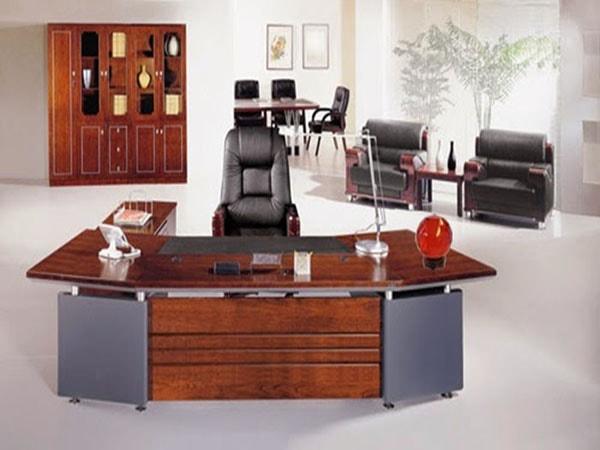 Cách lựa chọn bàn giám đốc mệnh Thổ đúng phong thủy